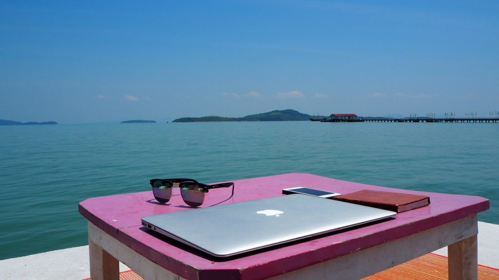 How to Become an Algo Trading Nomad (Trading Nomad Guide)